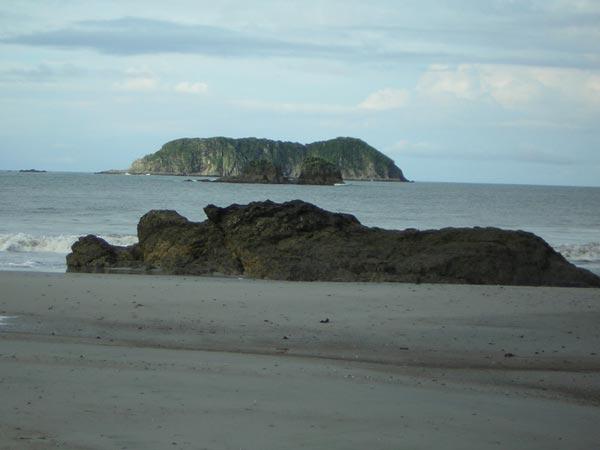 pacific-coast-manuel-antonio-3.jpg