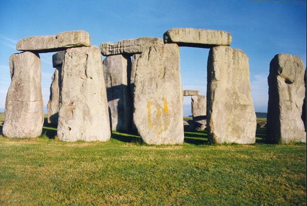 stonehenge3.jpg