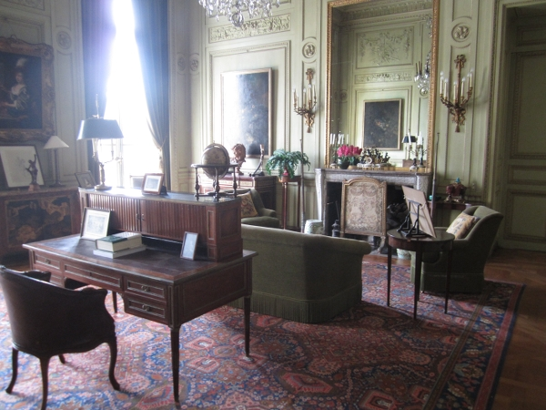 Chateau de Voisins Inside2