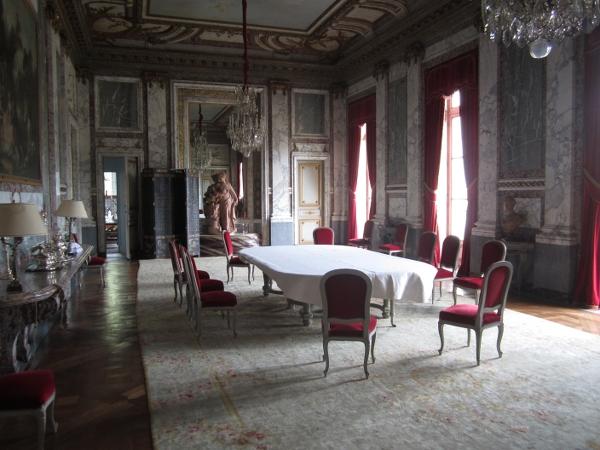 Chateau de Voisins Inside3