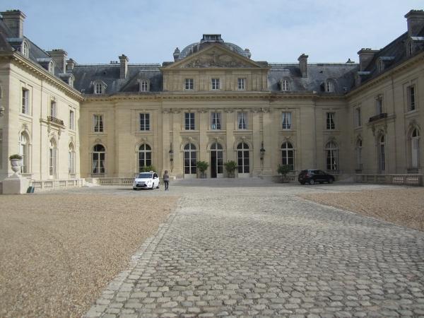 Chateau de Voisins8