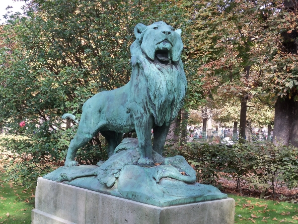 Paris Park-Lion Statue